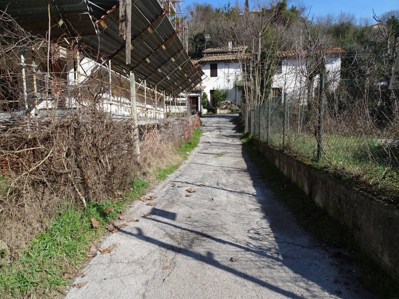 RUSTICO - CASALE VENDITA TERNI VALENZA